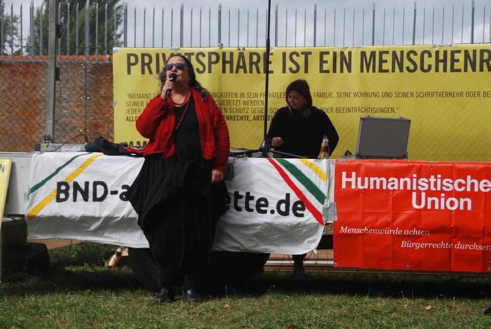 Prof. Dr. Fanny-Michaela Reisin spricht. Bild HU Kampa (CC BY-NC)